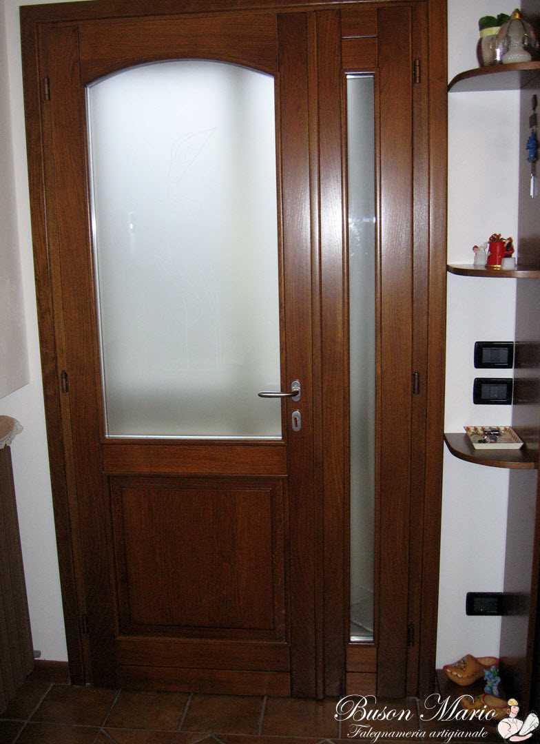 Porte vetrate in legno normali o scorrevoli falegnameria for Design architettonico gratuito